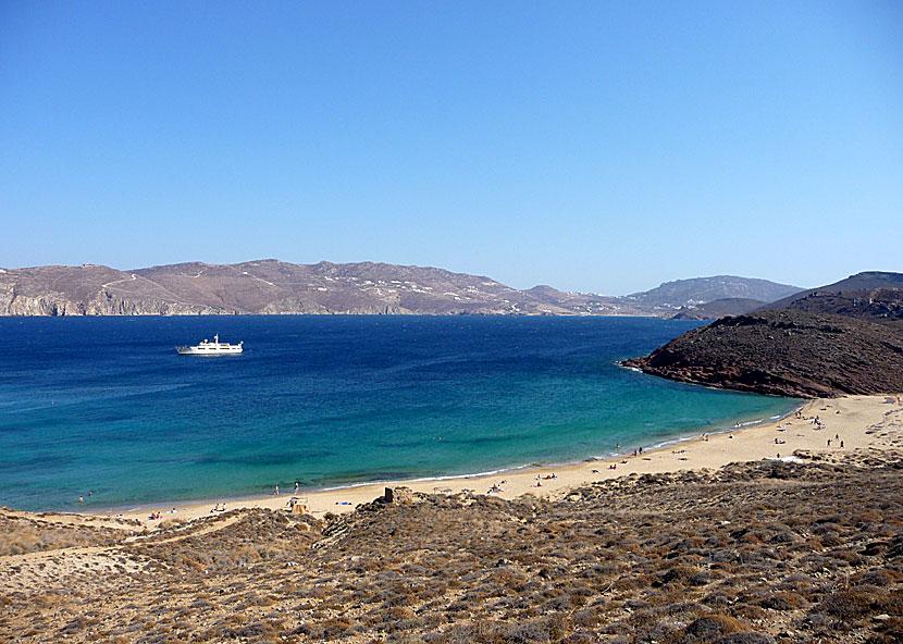 Stränder på Mykonos. Agios Sostis beach.